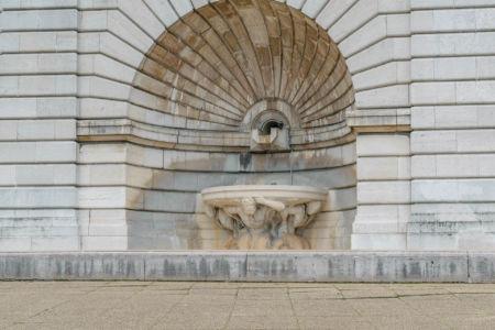 Brunnen am Sacre Coeur