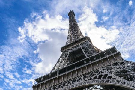Der Eiffelturm hoch hinaus